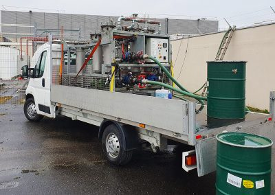 Pic showing big rig fuel polisher in action