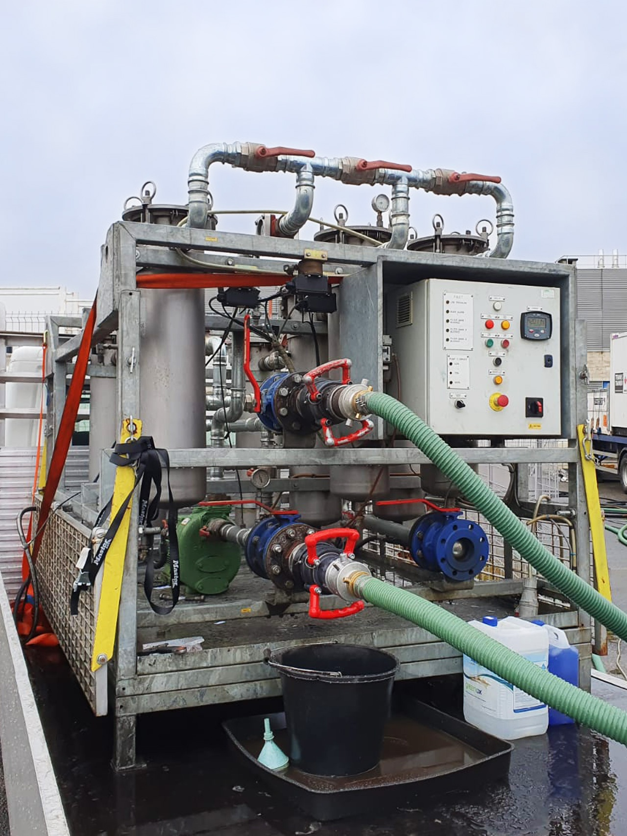Pic showing a 1st Industrial big rig fuel polishing system